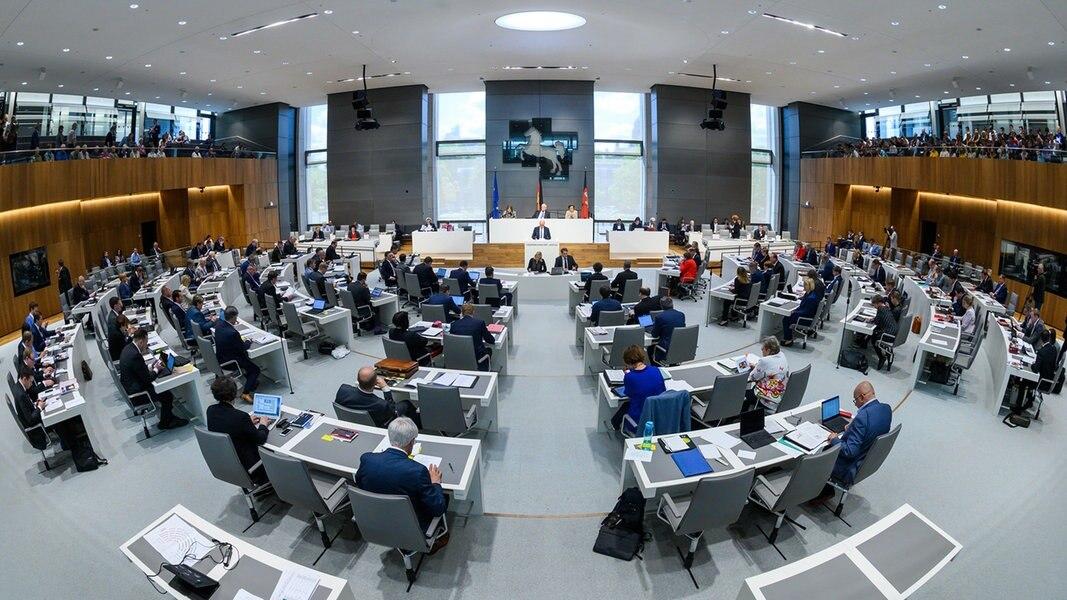 Jetzt live: Landtag debattiert über Impfpflicht