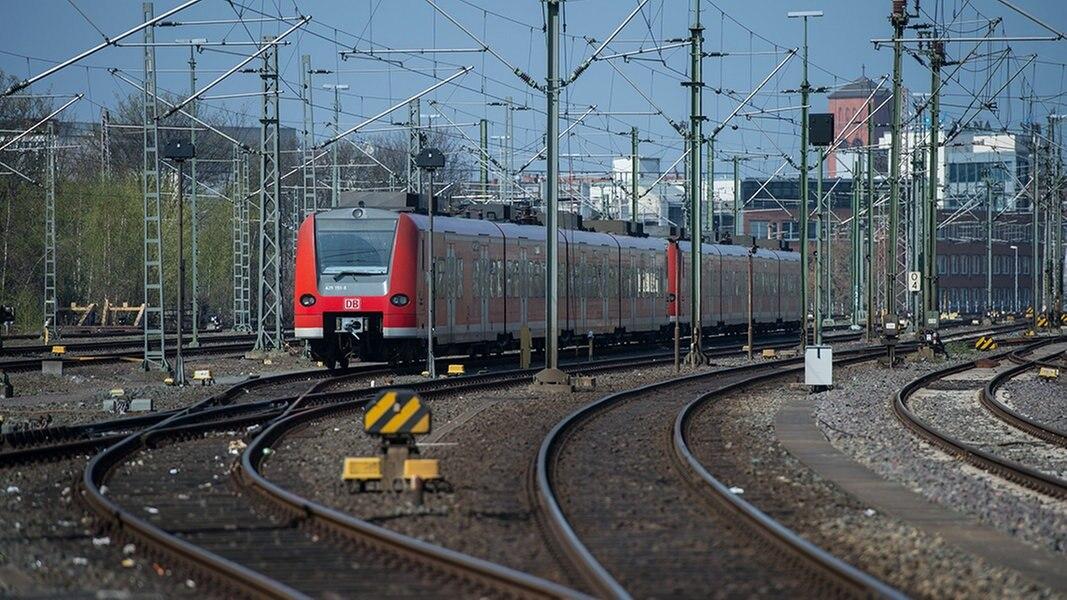 Volle Züge im Raum Hannover: Bahn bessert nach