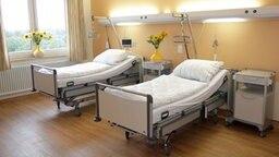 Ein Patientenzimmer im Klinikum Hildesheim © Klinikum Hildesheim