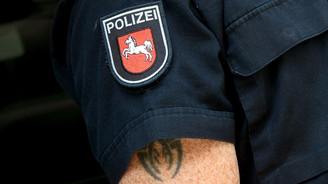 polizisten tattoos bleiben unsichtbar vorerst ndrde nachrichten niedersachsen - Niedersachsen Polizei Bewerbung