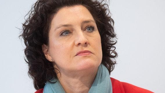 Die niedersächsische Gesundheitsministerin Carola Reimann (SPD) im Portrait. © picture alliance/dpa/Julian Stratenschulte Foto: Julian Stratenschulte
