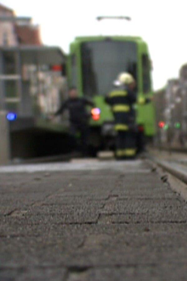 27-Jährigen auf Gleise gelegt: Verdächtige gefasst