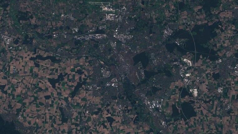Die Aufnahmen des Satelliten Sentinel 2 zeigt das Umland um Hannover © Copernicus Sentinel/ESA/dpa