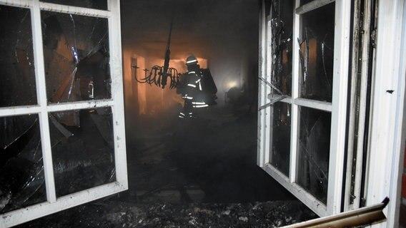 Berühmt Stade: Adventskranz setzt Haus in Brand   NDR.de - Nachrichten QN25