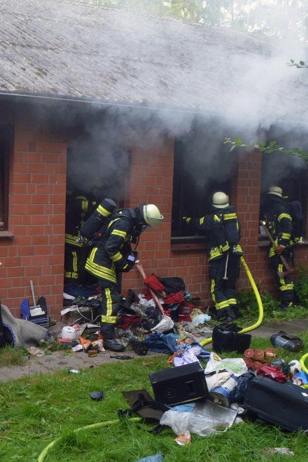 Ursache von Feuer in Obdachlosenheim noch unklar
