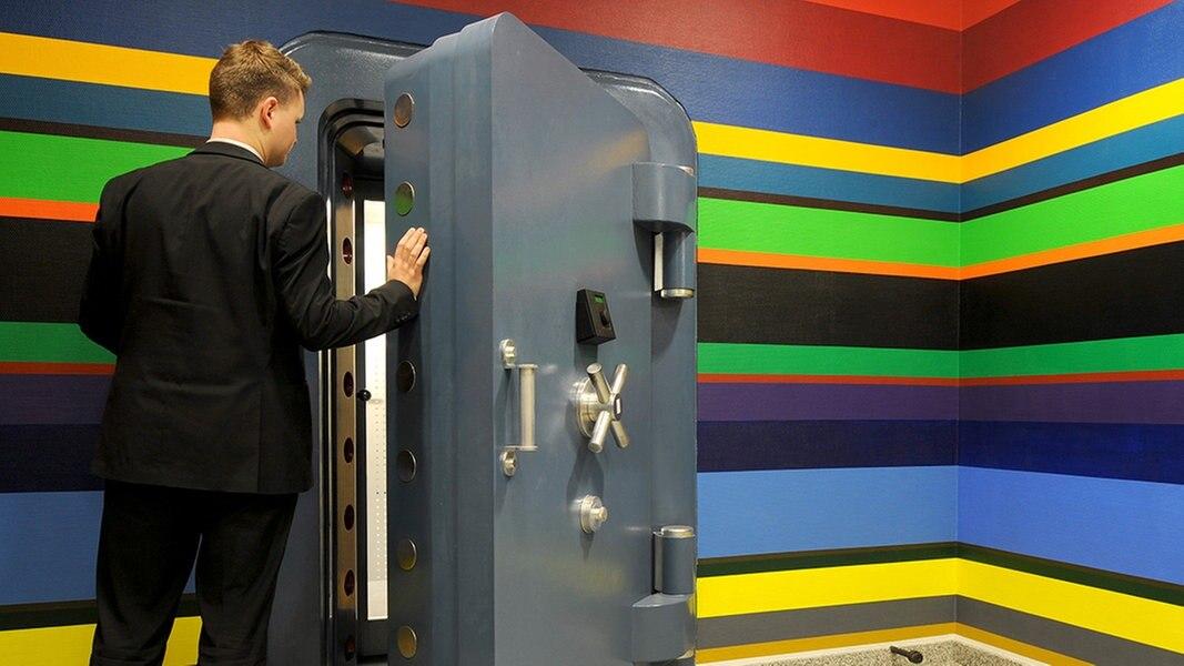 farbe f rs bargeld stader bank streicht tresor. Black Bedroom Furniture Sets. Home Design Ideas