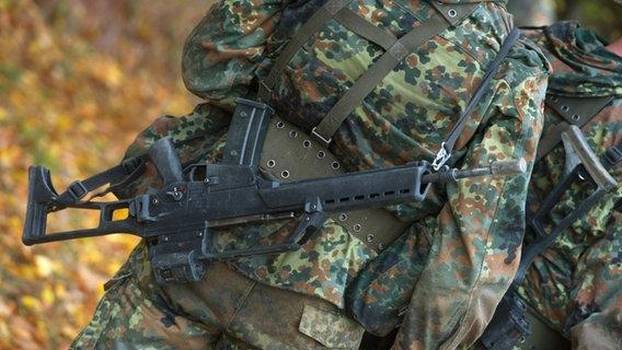 Soldat nach Fußmarsch zusammengebrochen und gestorben