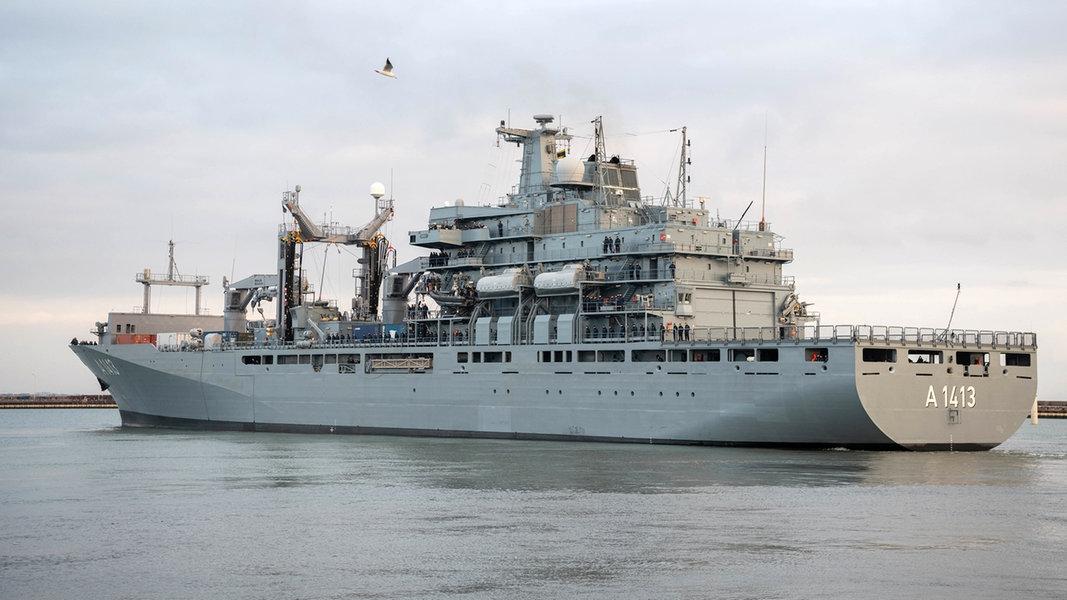 """Marine-Versorger """"Bonn"""" verlässt Wilhelmshaven"""