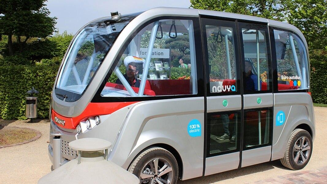 autonomer bus in bad zwischenahn vorgestellt nachrichten niedersachsen oldenburg. Black Bedroom Furniture Sets. Home Design Ideas