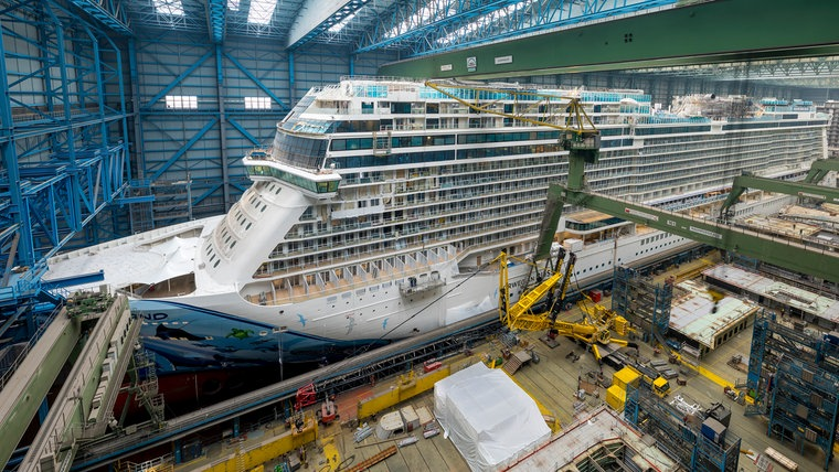 "The picture shows the ""Norwegian Bliss"" in the Meyer shipyard in Papenburg.  © Meyer Werft"