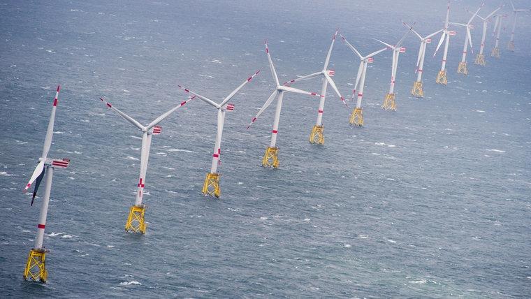 Ein Offshore-Windpark in Schleswig-Holstein. © dpa-Bildfunk Foto: Daniel Reinhardt/dpa