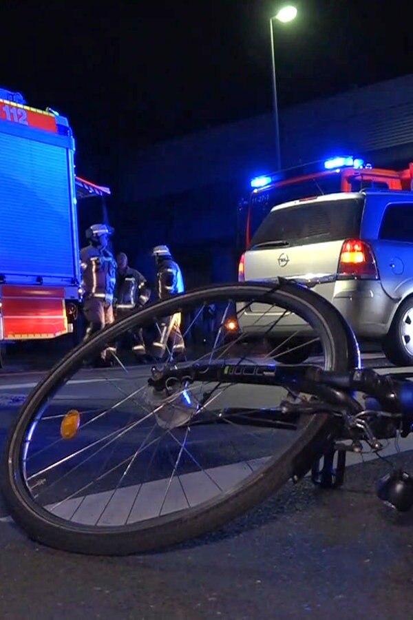 Oldenburg: Radfahrer lebensgefährlich verletzt