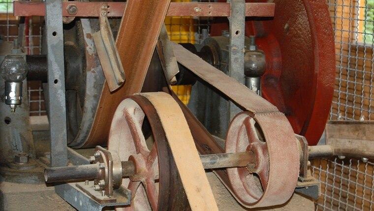 Die Mechanik einer restaurierten Gattersäge. © NDR Fotograf: Carsten Valk