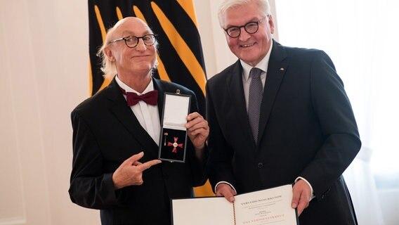 Otto Mit Bundesverdienstkreuz Ausgezeichnet Ndrde Kultur