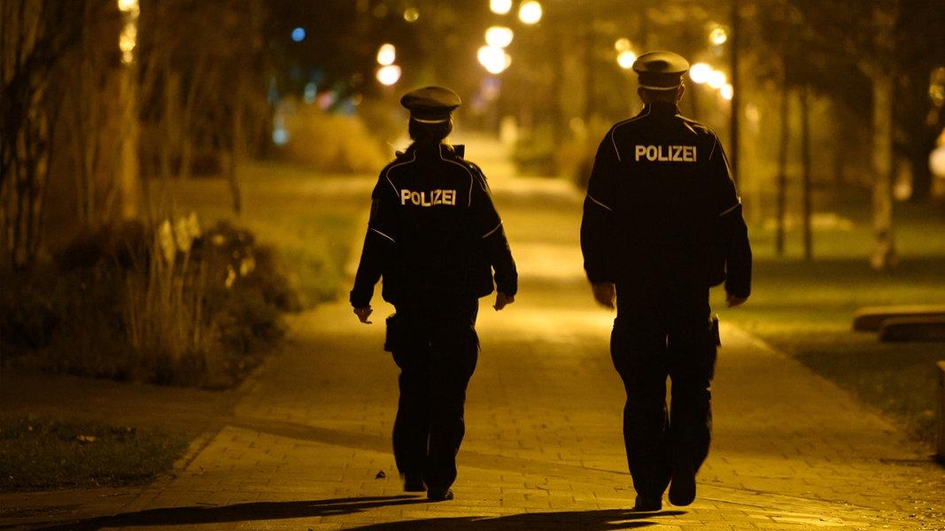 Gericht kippt Ausgangssperre und 15-km-Regel für Kläger