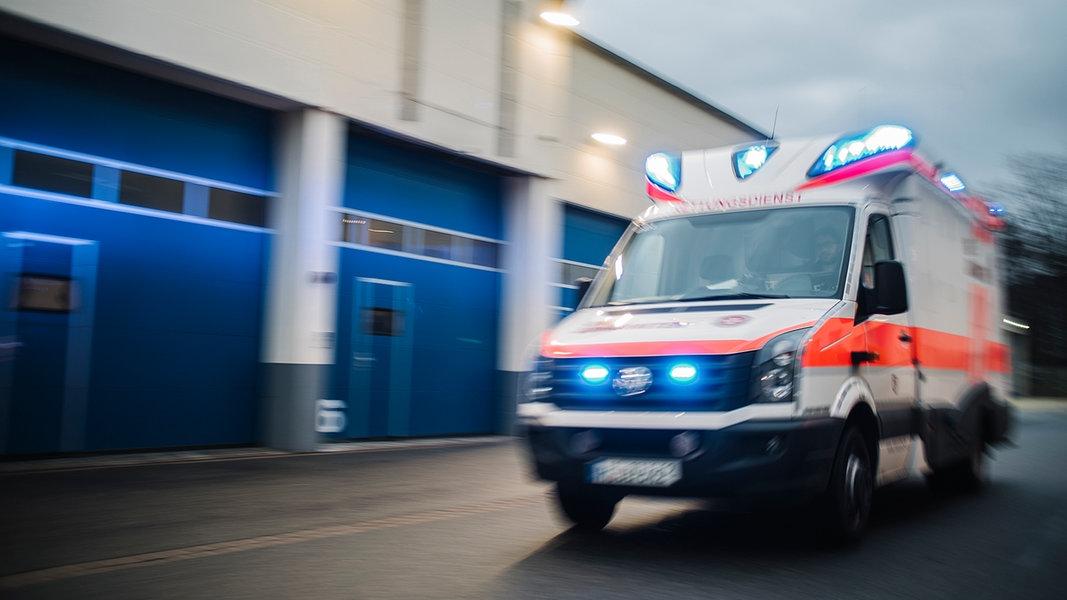 Unbekannte klauen Taschen aus Rettungswagen