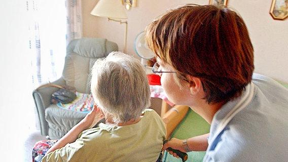 Gewerkschaft fordert mehr Pflegepersonal für Nachtschichten