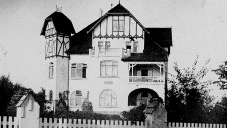 Die Villa Rickmer in der Parkallee 2 in Ahrensburg um 1915. © Stadtarchiv Ahrensburg