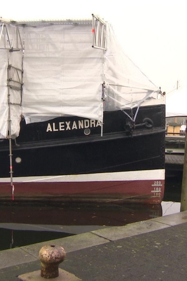 """Salondampfer """"Alexandra"""" sucht neuen Heizer - NDR.de"""