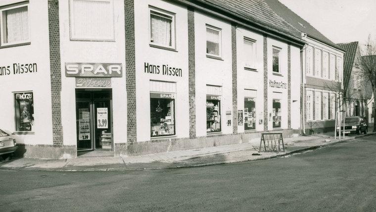 Historische Aufnahme des Kaufhauses in Arnis. © Stadtarchiv Kappeln