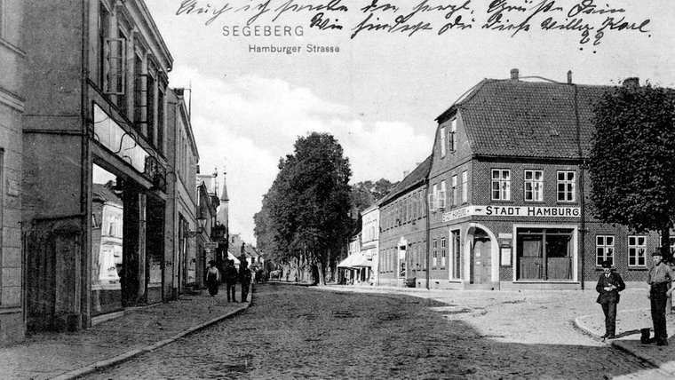 Historisches Foto der Hamburger Straße in Bad Segeberg. © NDR Foto: Hans-Werner Baurycza