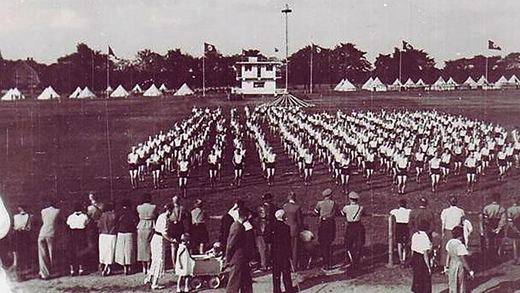 Historisches Foto vom Landesturnier 1937 auf der Rennkoppel in Bad Segeberg. © NDR Foto: Hans-Werner Baurycza