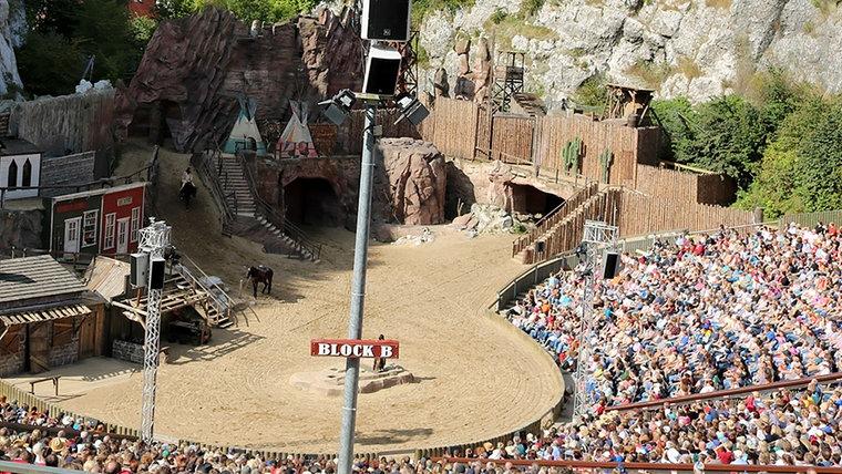 Die Karl-May-Spiele am Kalkberg in Bad Segeberg. © NDR Foto: Anne Passow