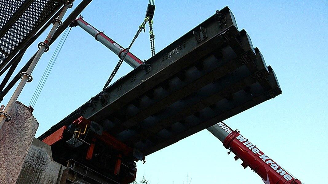 Freie Fahrt: Brücke in Neustadt ersetzt | NDR.de - Nachrichten ... - NDR.de