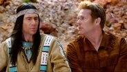 """Bully Herbig sitzt als Indiana neben Christian Tramitz in """"Schuh des Manitu"""""""