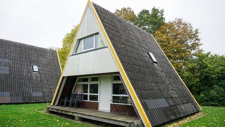Ein Zeltdachhauses, heute, in Damp © NDR Foto: Sebastian Parzanny