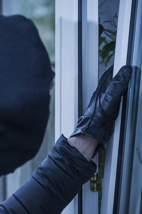 Dunkle Jahreszeit: Was tun gegen Einbrecher?