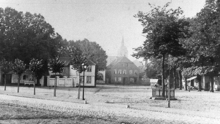 Der Marktplatz in Burg auf Fehmarn. © Karl-Wilhelm Klahn  Foto: Karl-Wilhelm Klahn