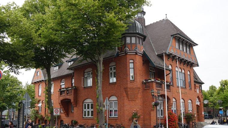 Das Rathaus in Burg auf Fehmarn. © NDR Foto: Hauke Bülow