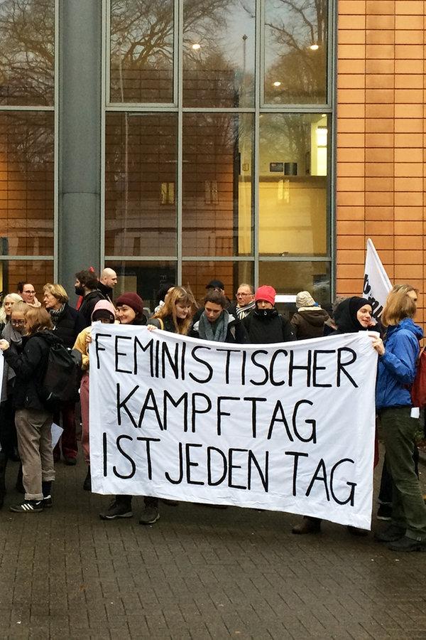 Abtreibungen: Noch keine Lösung in Flensburg - NDR.de