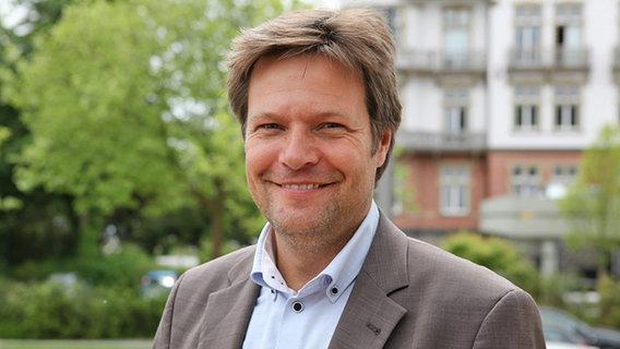 Habeck: Literat, Politiker und Familienvater | NDR.de ...