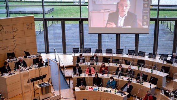 Corona Stufenplan Wo Experten Raten Nachzuscharfen Ndr De Nachrichten Schleswig Holstein Coronavirus