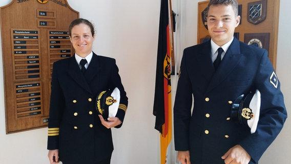 Finde jemanden in der Marine