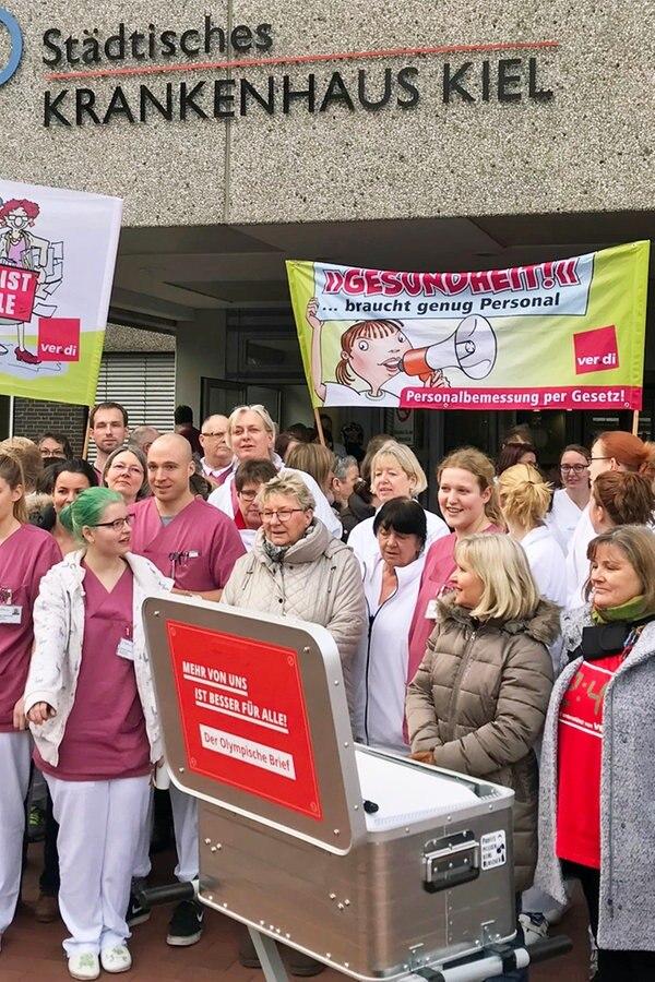 Aktion gegen Pflegenotstand in Kiel gestartet