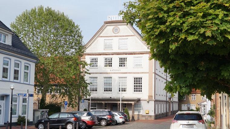 Ein neues Foto des Rathauses in Schleswig. © NDR Foto: Peer-Axel Kroeske