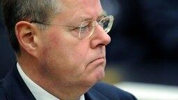 Ex-Bundesfinanzminister Peer Steinbrück (SPD) vor dem Kieler Untersuchungsausschuss zur HSH Nordbank.  Fotograf: Carsten Rehder