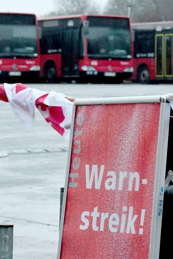 Liveticker: Busfahrer in MV im Warnstreik