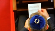 Gebet in einer Synagoge © dpa/picture-alliance
