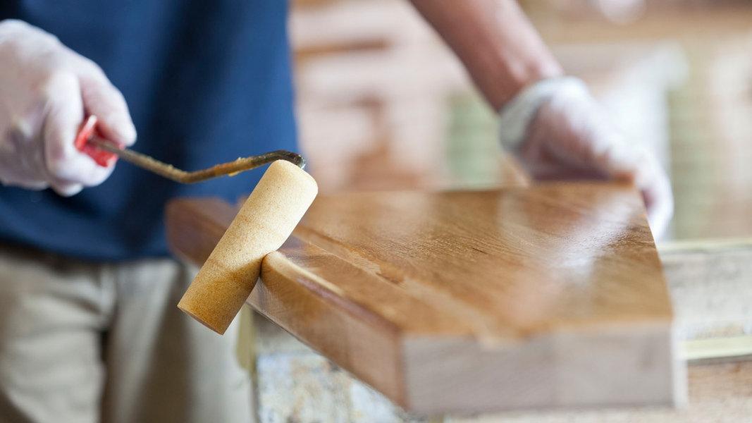 vom holzbrett zur fertigen treppe nachrichten schleswig holstein. Black Bedroom Furniture Sets. Home Design Ideas