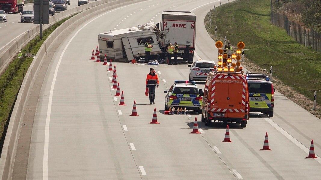 Nach Sperrung: Polizei gibt A7 in Richtung Hamburg frei