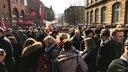 Versammelte Gruppe streikender Personen aus dem öffentlichen Dienst in Kiel © NDR Fotograf: Christian Wolf