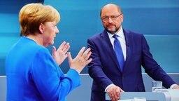 Screenshot des TV-Duellls zwischen der Bundeskanzlerin und CDU-Vorsitzenden Angela Merkel und dem SPD-Kanzlerkandidaten und SPD-Vorsitzenden Martin Schulz am 03.09.2017 in Berlin. © dpa bildfunk