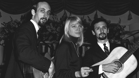 Die Band Peter, Paul and Mary. © picture alliance / Photoshot