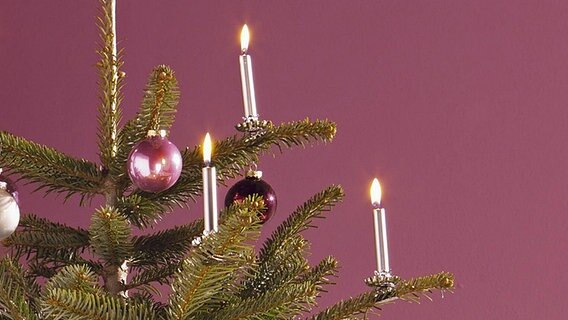 tipps gegen zimmerbr nde an weihnachten ratgeber. Black Bedroom Furniture Sets. Home Design Ideas