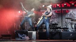 BossHoss beim Konzert in Papenburg © NDR Foto: Axel Herzig