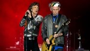 Open Air der Rolling Stones im Hamburger Stadtpark am 9. September 2017: Mick Jagger (li.) und Keith Richards © NDR Foto: Mirko Hannemann